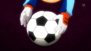 Shinsuke reaching for the ball EP42 HQ