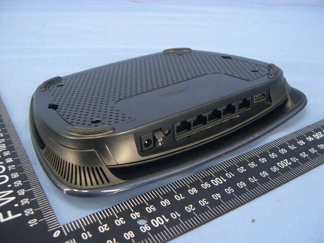 File:Linksys E3000 v1.0 FCCb.jpg
