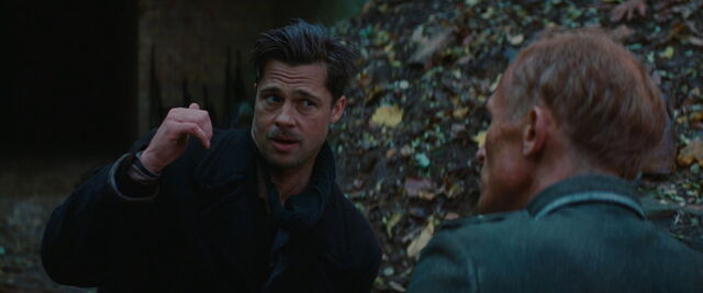 File:Aldo Raine points to the Bear Jew.jpg