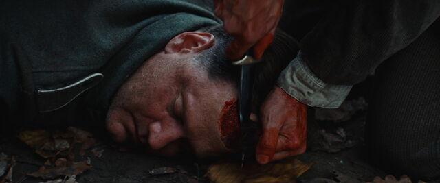 File:Scalping Tarantino dummy.jpg