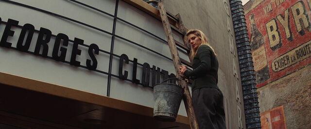 File:Shosanna on the ladder.jpg