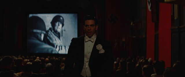 File:Donny leaves the cinema room.jpg