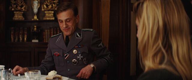 File:Hans Landa's strudel with cream.jpg
