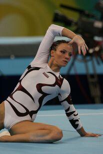 Pihan-Marta-Gymnastika-zeny-LOH-Peking-08-37-