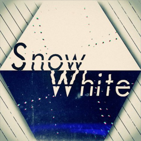 File:Snow White.png