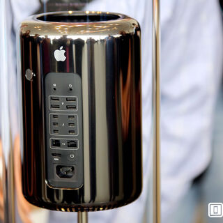 The new 2013 Mac Pro with 6 Thunderbolt ports, note that it's a lot than the USB ports.