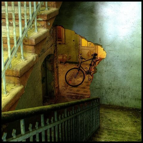 File:Bike and broken doorway by brandybuck.jpg
