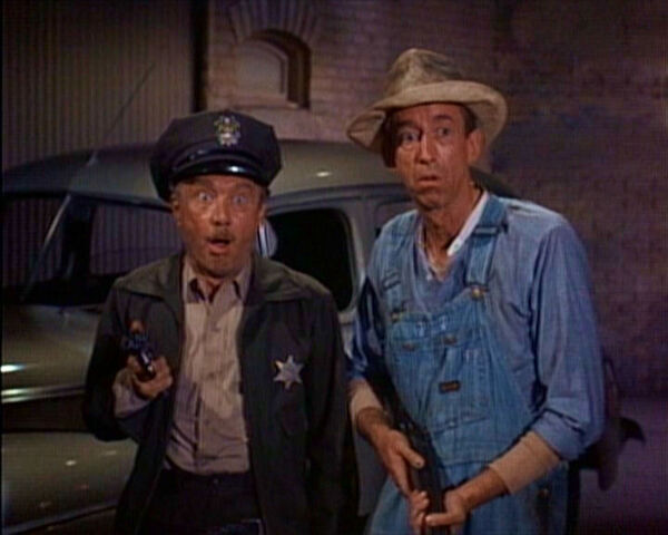 File:Grover and charlie.jpg