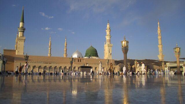 File:MasjidNabawi.jpg
