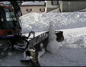 Snowcat VS Snowman