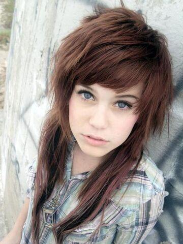 File:Brown-emo-girl-hair-12.jpg
