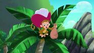 Monkey-Pirate Sitting Pirates04