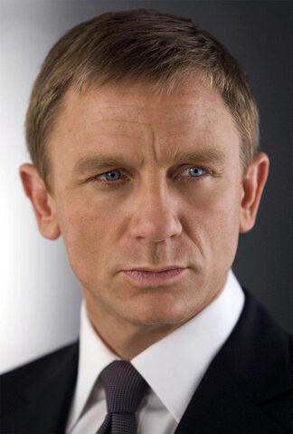 File:Daniel Craig Bond.jpg