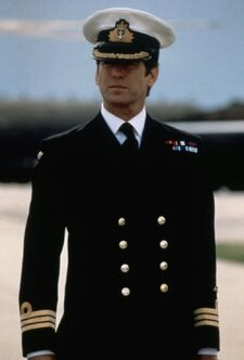 Commander Bond - Pierce Brosnan (Tomorrow-Never-Dies)