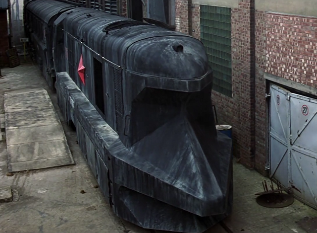 File:Trevelyan's armored train - Profile.png