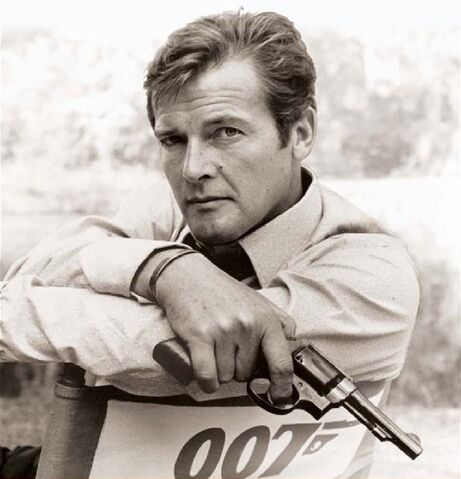 File:Roger Moore (Cover image from 'My Word is My Bond').jpg