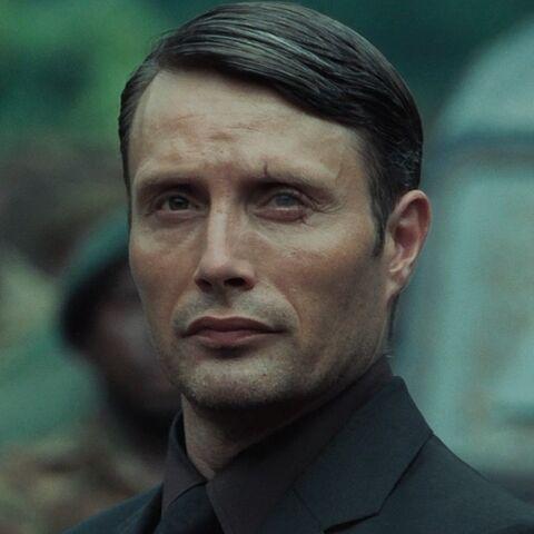 File:Le Chiffre (Mads Mikkelsen) - Profile.jpg
