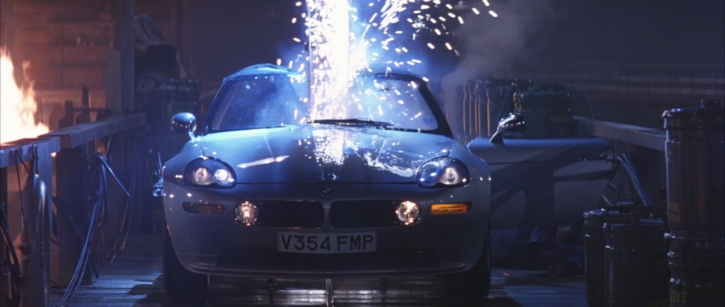Image The World Is Not Enough The Z8 Meets Its End Jpg James Bond Wiki Fandom Powered By