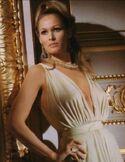 Vesper Lynd (Ursula Andress)