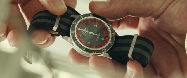 File:SPECTRE - Seamaster 300M wristwatch (1).png