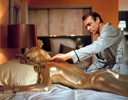 Goldfinger Golden-girl