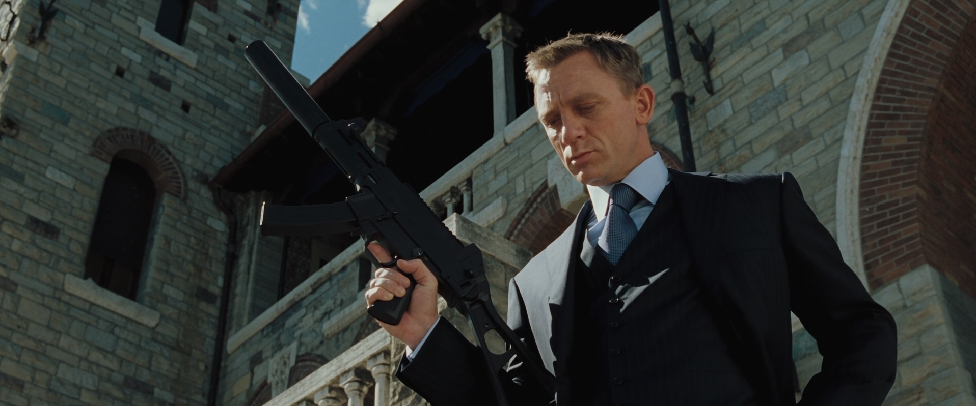 Image - Casino Royale (152).png   James Bond Wiki   FANDOM