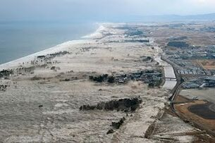 Japan-tsunami-earthquake-photo-stills-006