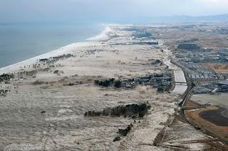 File:Japan-tsunami-earthquake-photo-stills-006.jpg