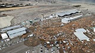 Japan-tsunami-earthquake-photo-stills-002