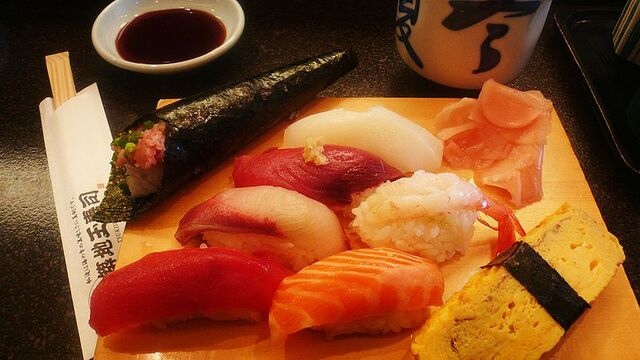 File:800px-2007feb-sushi-odaiba-manytypes.jpg