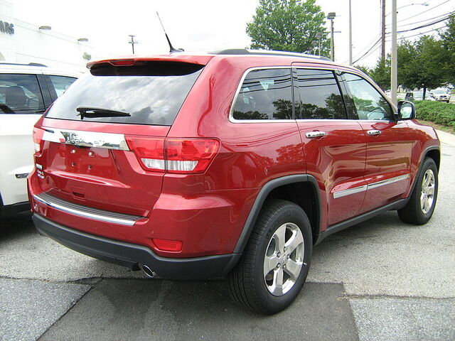 File:2011 Jeep Grand Cherokee Limited red rear md.jpg
