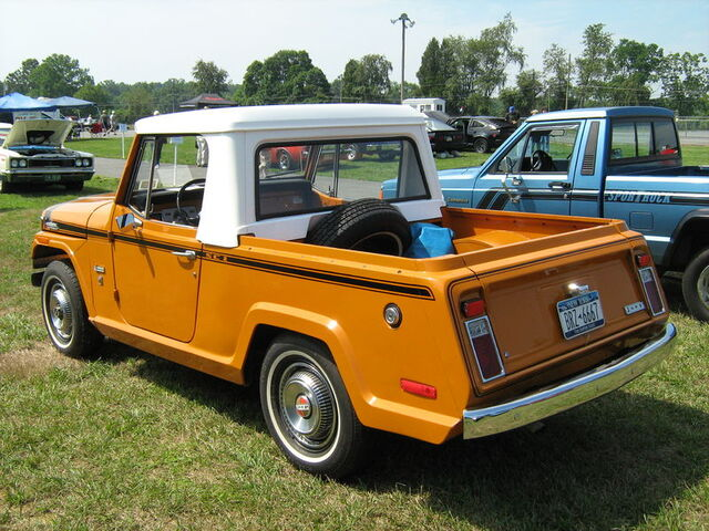 File:1971 Jeepster Commando SC-1 pickup orange b-Cecil'10.jpg