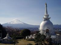 800px-Stupa and Fuji
