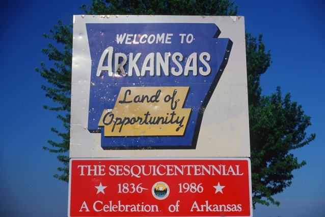 File:Welcome-to-Arkansas-Sign-638x425.jpg