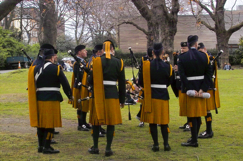 File:Members of Irish Army Pipe Band (actually the Air corps).jpg
