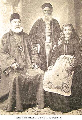 File:SephardiFamilyBosnia.jpg