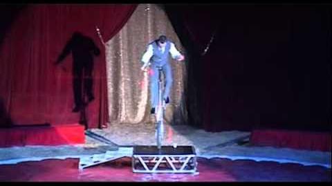 Giocoliere Tayron Colombaioni, juggler