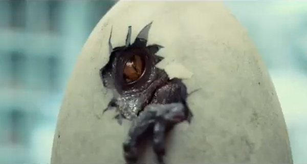 File:Creepy-new-jurassic-world-tv-spot-teases-the-indominus-rex-hatching.png