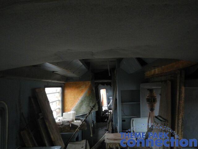 File:RV main interior.jpg