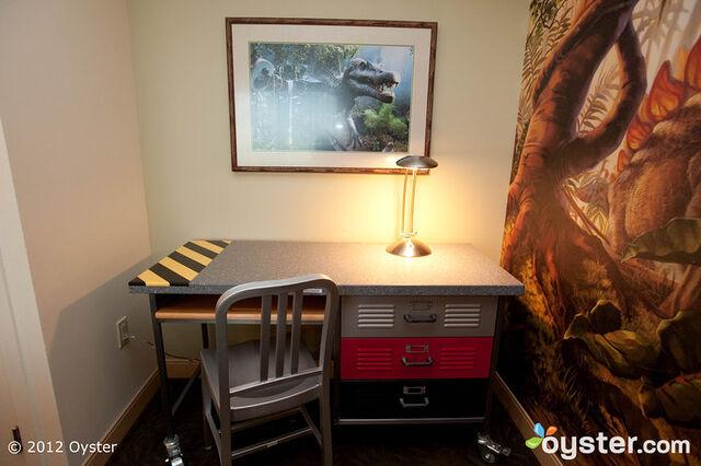 File:Kids-suite-universal-royal-pacific-resort-a-loews-hotel-v645685-720.jpg