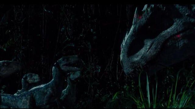 Datei:Raptors-talking-with-Indominus.jpg