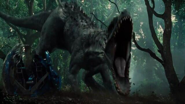 File:Indominus-rex-next-to-Gyrosphere.jpg