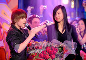 Justin performs OLLG on Live@Much