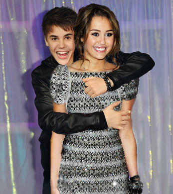 File:Justin-Miley-justin-bieber-and-miley-cyrus-20686847-347-390.jpg