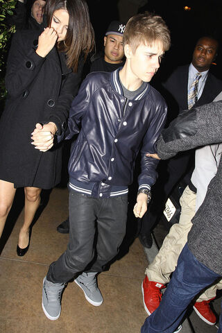 File:Justin Bieber 17th birthday with Selena Gomez.jpeg