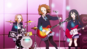 Yui hits her nose