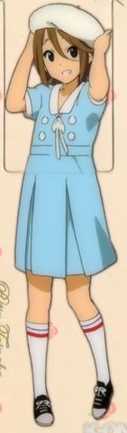 Berkas:Ritsu Singing attire 1.png