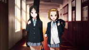 Mio and Ritsu OP 2