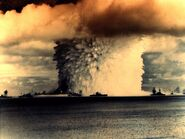 Atomic-bomb-test-over-water