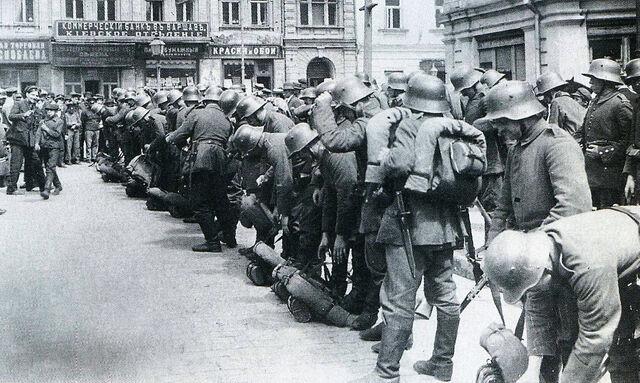 File:1280px-Немцы в Киеве март 1918.jpg